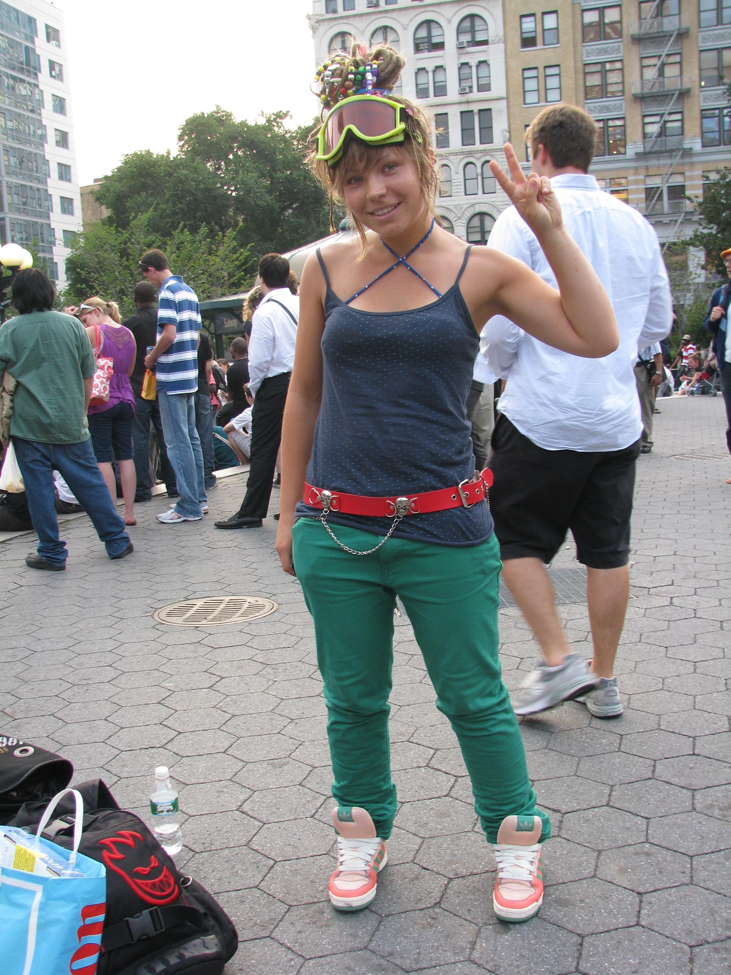 Scandinavian Girl w/Goggles